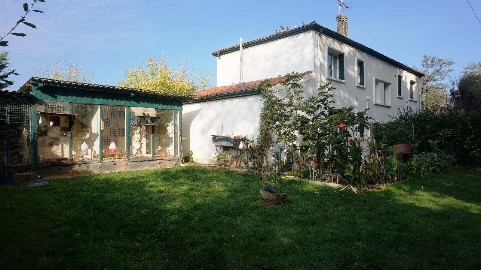 Vente maison villa aire sur l adour aire sur l 39 adour 40800 for Garage auguchon aire sur l adour